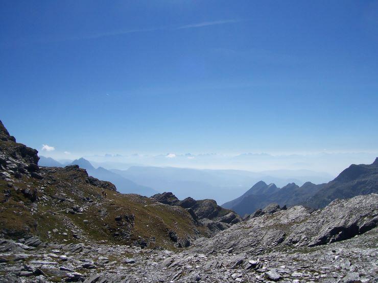 Spronserjoch mit Blick auf Mutspitze, Ifinger und ganz hinten die Dolomiten